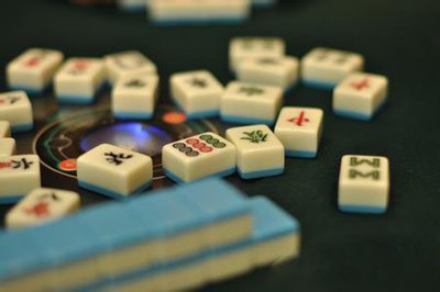 梦见和朋友打麻将_喜欢打麻将的朋友们一定要戳进来