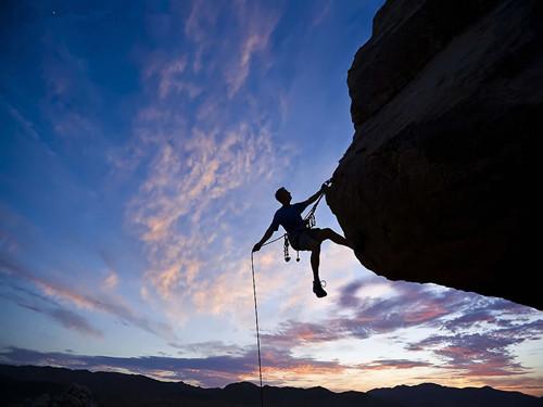 梦见攀岩爬不上去|梦境,梦见攀岩