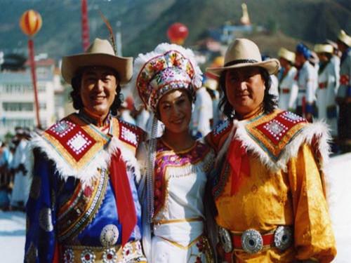 中国的节日大全_节日大全:为你献上普米族的春节特色