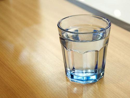 水杯摆放位置不正确会影响事业运