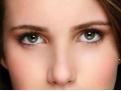 女人两眉中间长痣好不好